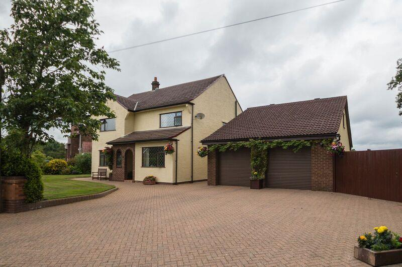 4 Bedrooms Property for sale in Yew Tree Lane, APPLETON THORN, Warrington, WA4